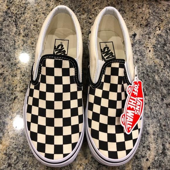 5fddec6d7c67 NIB Classic Vans Slip On in b w checkerboard